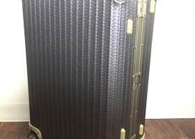 スーツケースラッピング施工 施工写真